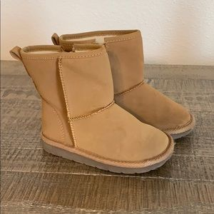 Gap toddler boots size 9